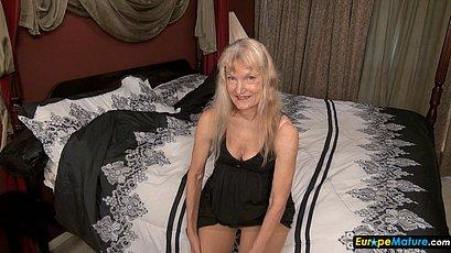 Blonde mature granny solo show