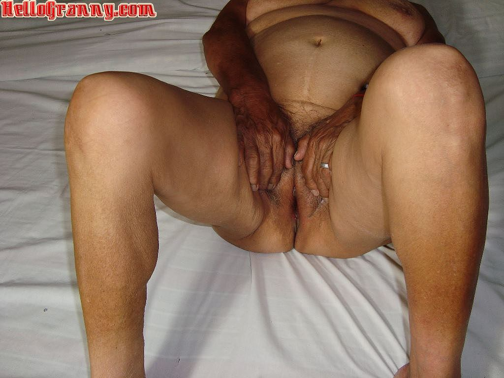 Old granny pissing outdoors