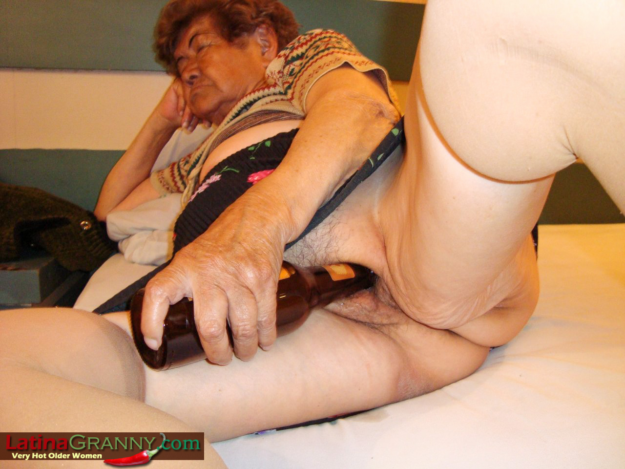 click here and see GRANNY 60 ++