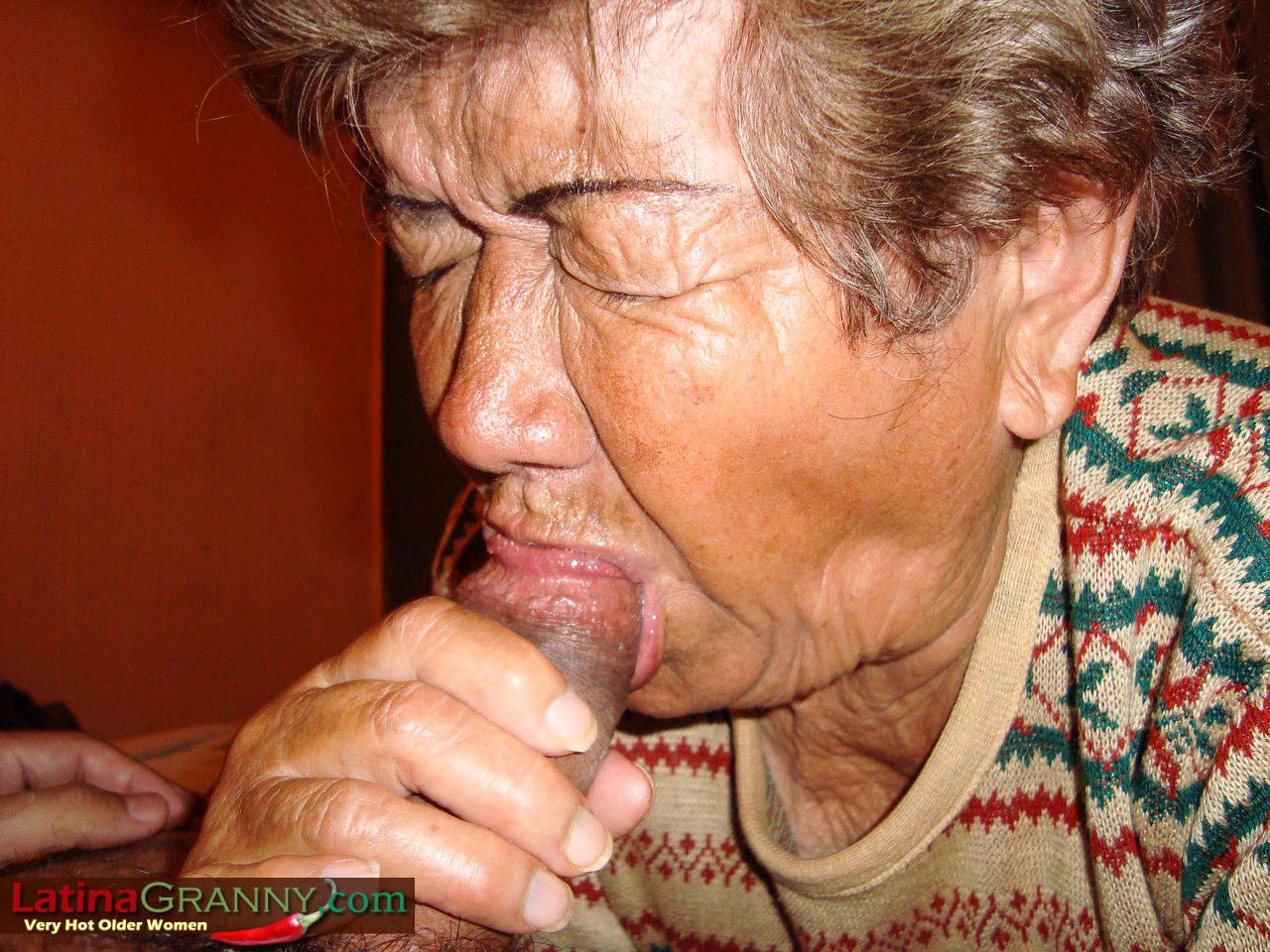 Секс очень старых дедов 1 фотография