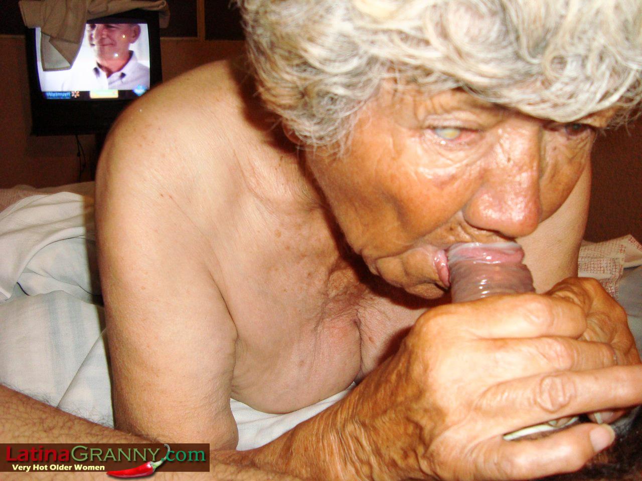 seks-s-babkoy-roliki