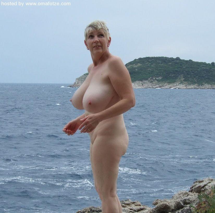 image Omafotze amateur mature granny photos slideshow