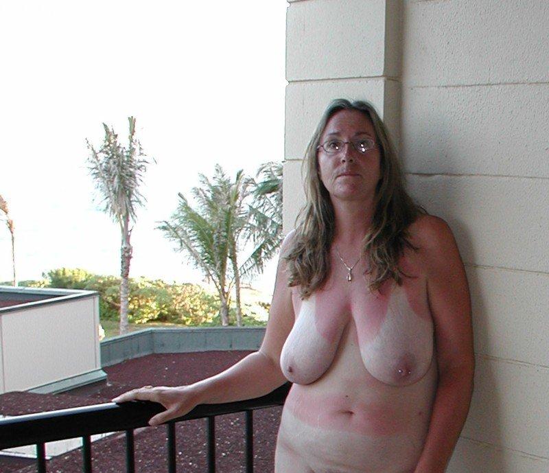 naked t girl annalise