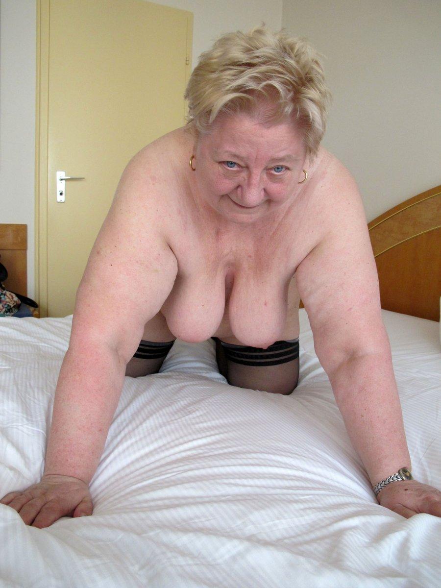 Beautiful grandma sex