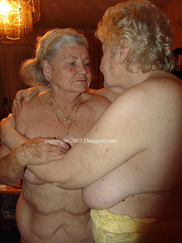 Very old oma nude granny