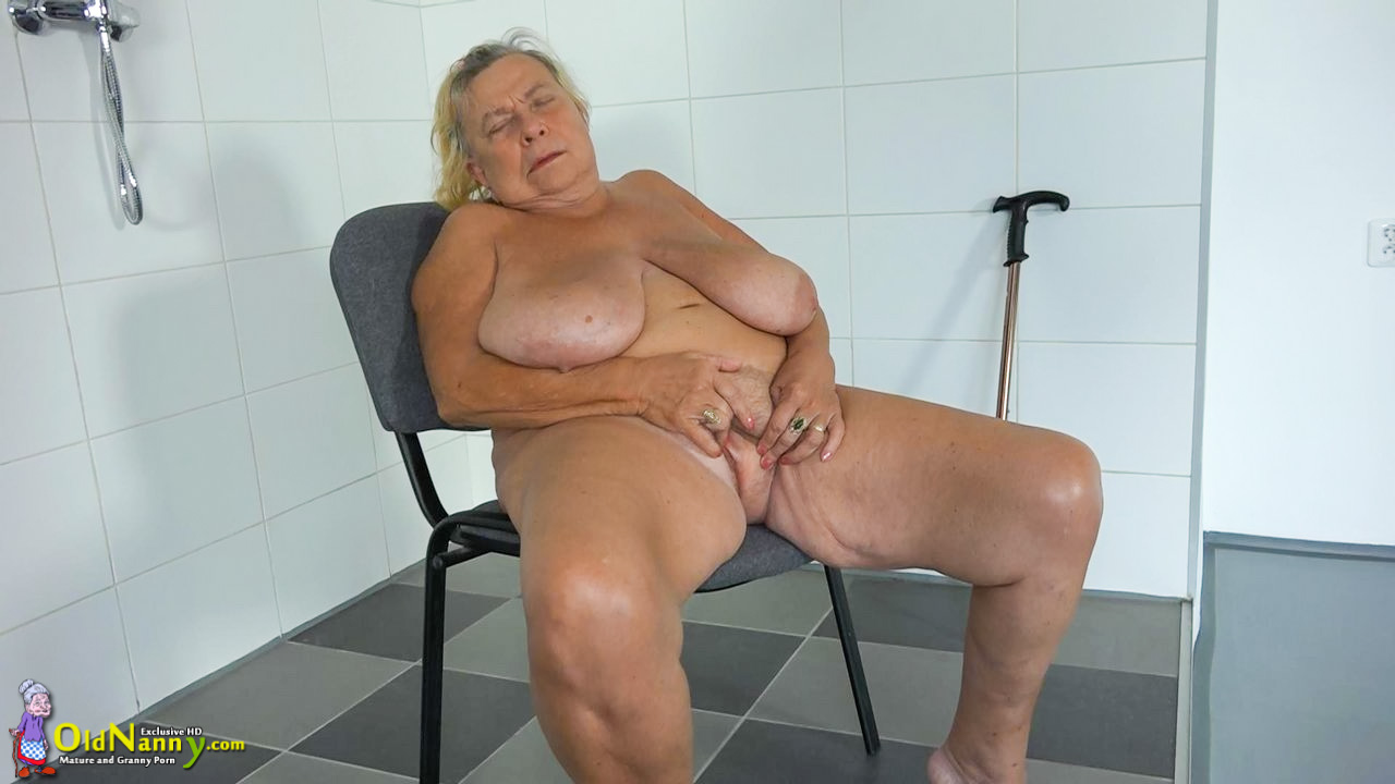 Solo bbw mature granny