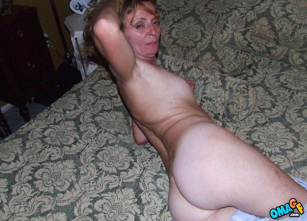 Naked pretty white girls