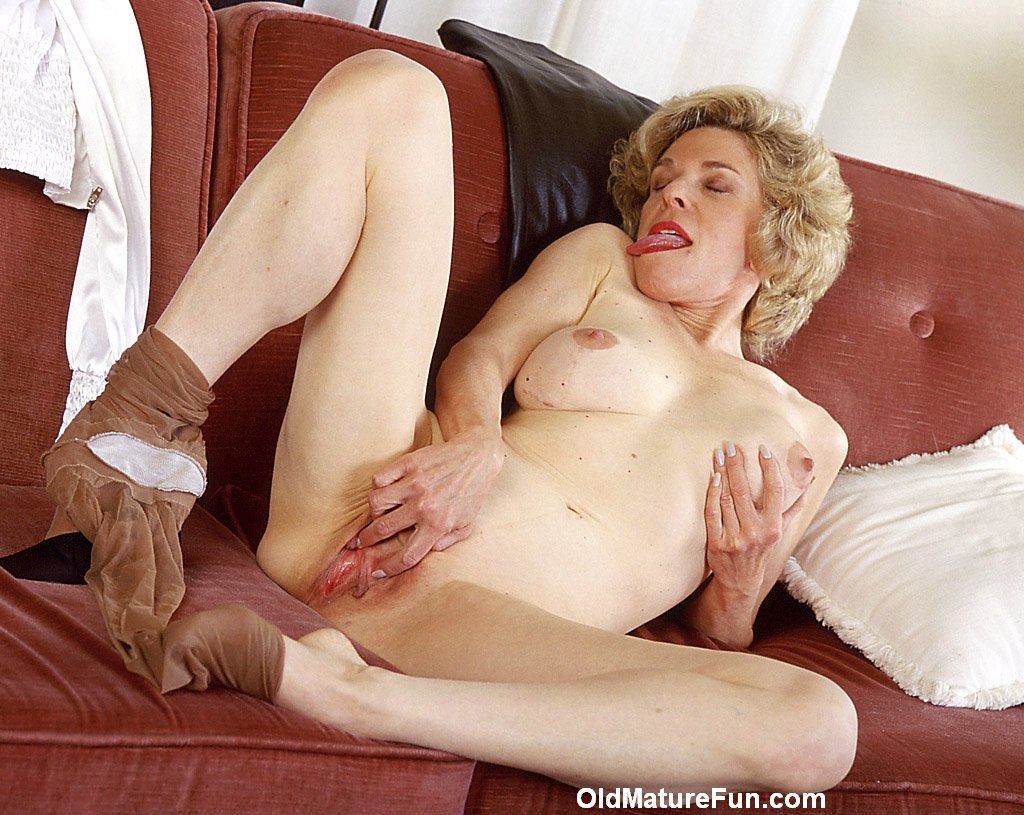 olderwomanfun.com pussy Post Category: mature,milf,old Channel: Older Woman Fun