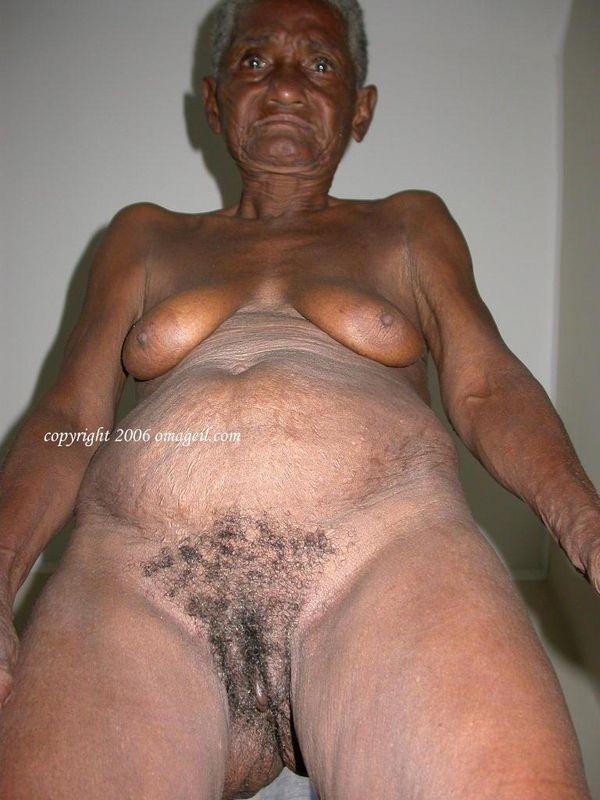 Hot moms in nude thongs