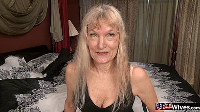 Blonde sexy usa garnny