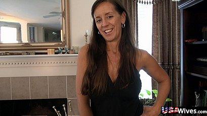 Older mature wife masturbating