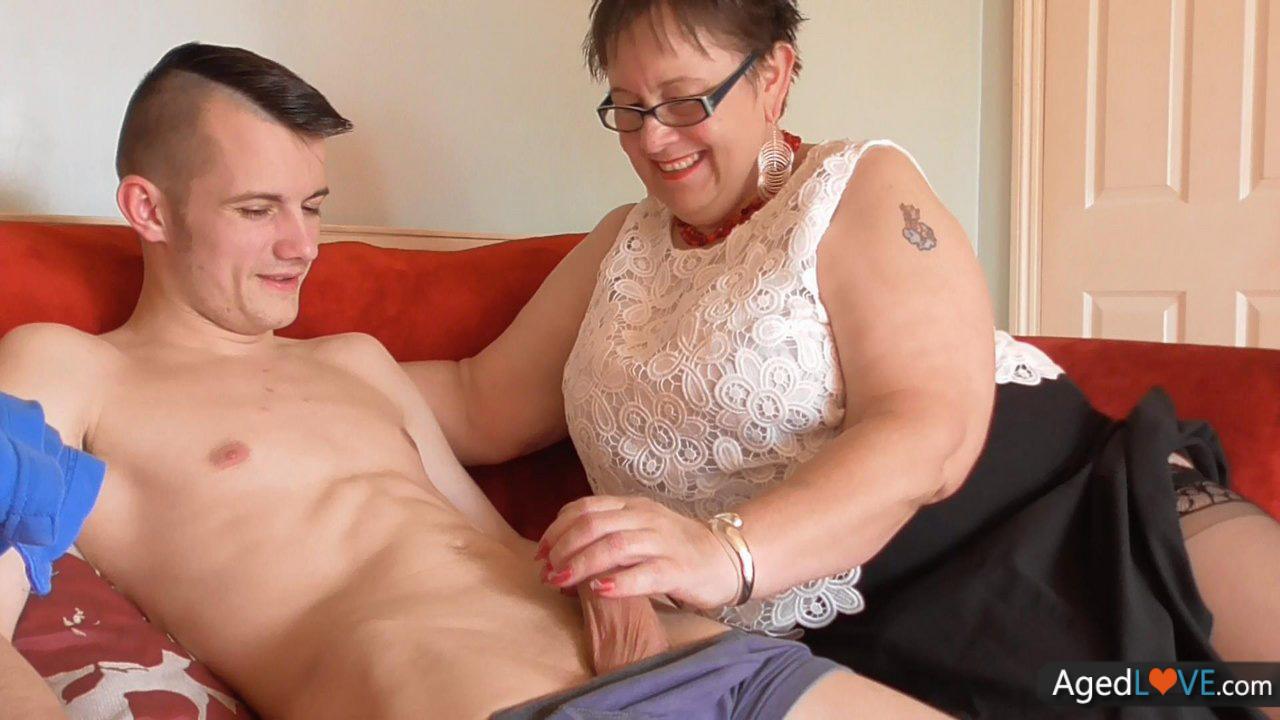 BBW Granny Enjoy Hard Cock Of Her Neighbor